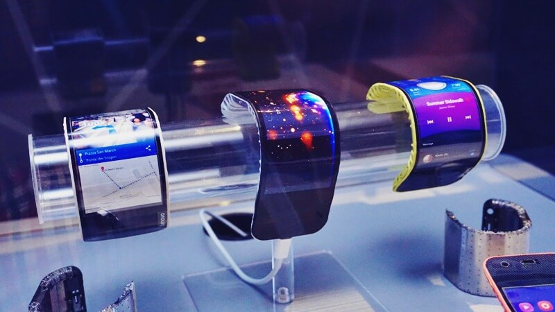 Lenovo Shows Off Bendable Phones and Tablets